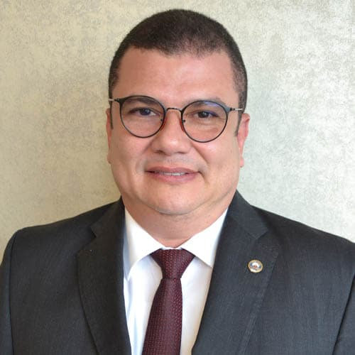 Dr. Juan José Morales Tuesta